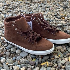 NWT Men's OLD NAVY shoes